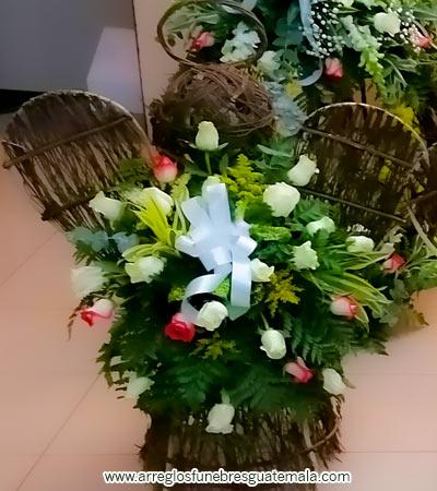 Arreglos con forma de ángel para funerales